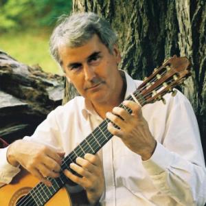 Portrait mit Gitarre (3 Haende)